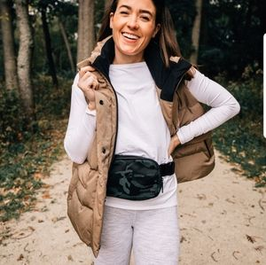 Lululemon in a flurry vest frontier